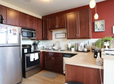 east-end-residences-akron-oh-kitchen---1br-1ba---615-1357-sf