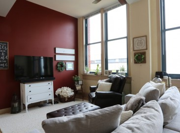 east-end-residences-akron-oh-living-room---1br-1ba---615-1357-sf